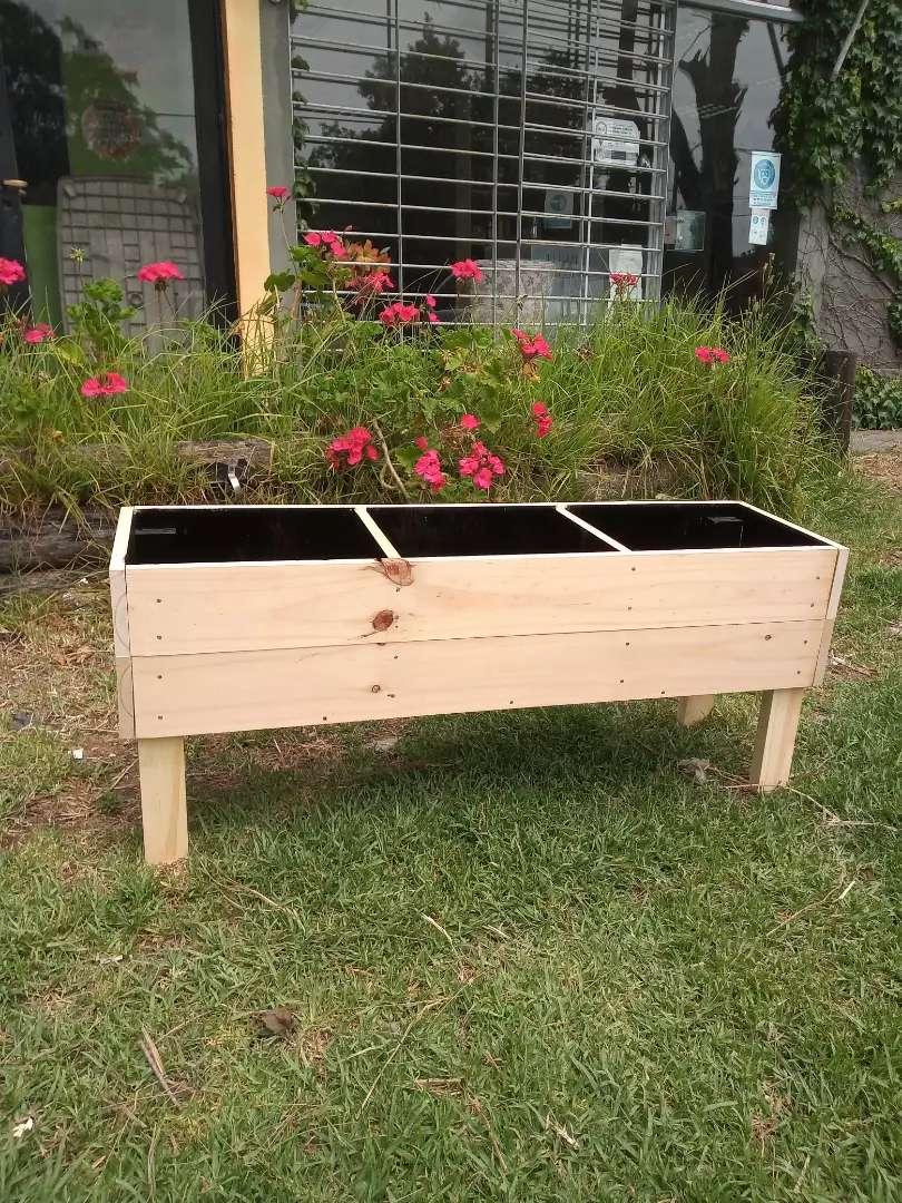 Maceteros de madera y Jardines verticales. 0