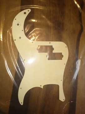 Pickguard golpeador plástico para Bajo Precision Squier Fender