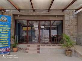 Vendo local comercial junto a la via principal Av. Interocianica y Pichincha
