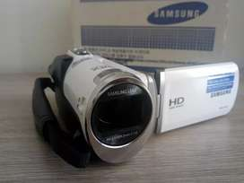 Videocámara Samsung HD F90 con pantalla LCD