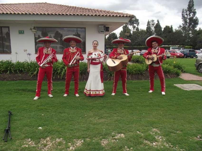 Mariachi Sol Azteca 0