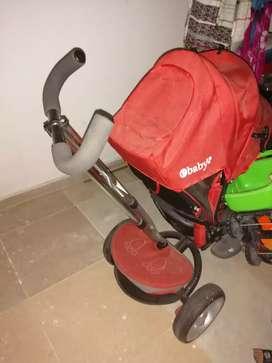 Carro paseador e'baby para niño rojo 250mil negociables