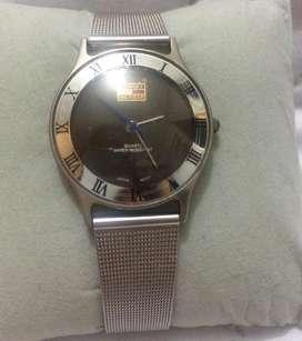 Reloj Tommy Hilfiger antiguo