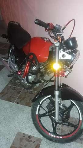 Esta al dia moto suzuki gs 125 matriculada sin multas