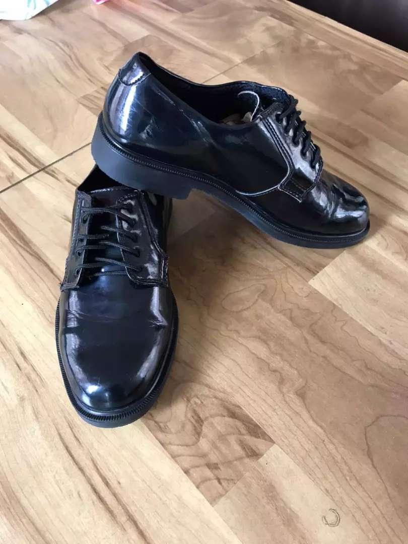 Zapatos en charol 0