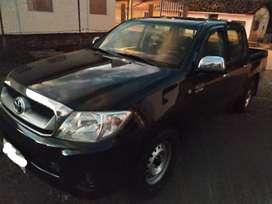 Toyota Hilux 2010 Negra 4x2, excelente estado