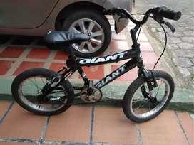 Vendo linda bicicleta para niño