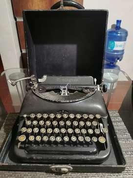 Antiguo máquina de escribir Remington