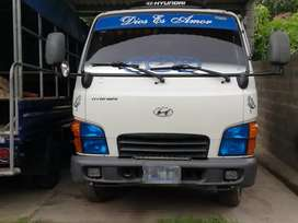 Vendo bonito pick up HYUNDAI HD 45