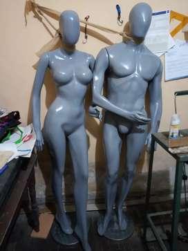Dos maniquis hombre y mujer como nuevos