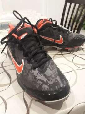 Botines Nike hyperdyamond