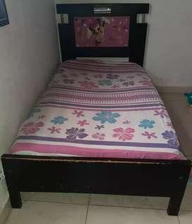 Vendo cama de niña súper barata