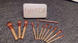 brochas maquillaje naked