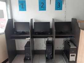 Conputadoras bitrina mesa de computadoras