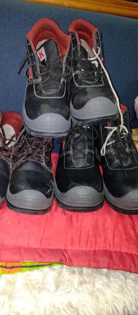 Vendo botas con puntera de seguridad