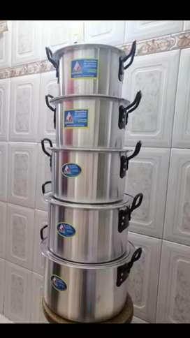 Hermoso Juego de ollas en aluminio