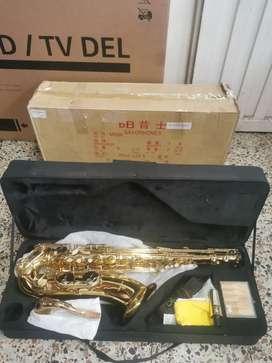 Saxofon tenor Pearl River