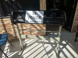 Vendo plotter de corte para diseño  negociable