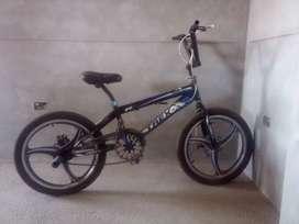 SE VENDE BICICLETA BMX (EXELENTES CONDICIONES)