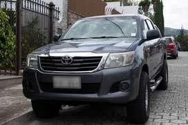 OPORTUNIDAD Camioneta doble cabina Toyota modelo 2014 Hillux 2.5 CD 4X4