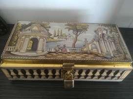 Lata Caja Cofre Alemana Antigua Hermosa