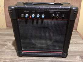 Amplificador Soundking AK15G / 15W