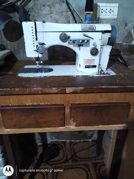 Vendo máquina coser recta funcionando eléctrica Necchi automática lucya