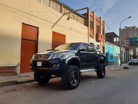 TOYOTA HILUX   MONSTER
