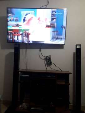 SMART TV 55 UH765T 4K + Teatro en Casa LG 3D 5.1