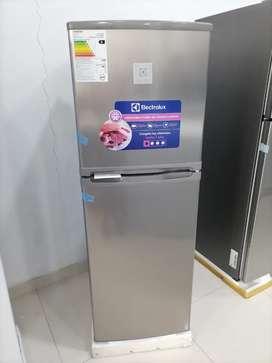 Refrigeradora electrolux 140lt