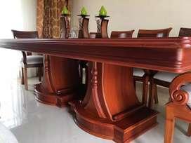 Juego de comedor se 10 sillas en perfecto estado  negociable