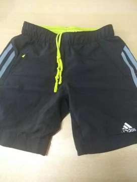 Short deportivo Adidas original