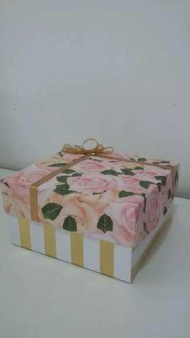 Cajas para regalos y recuerdos