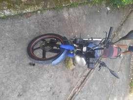 Vendo moto akt SL