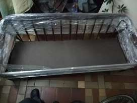 Base nueva de madera de sofá  de 1.5 metros
