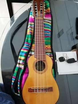 Charango boliviano.