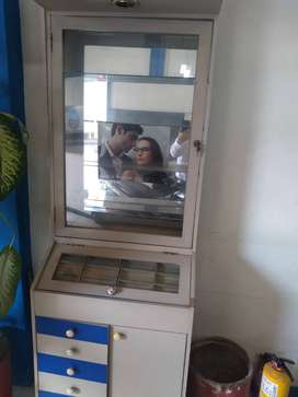 se vende vitrinas para exhibición de negocio.