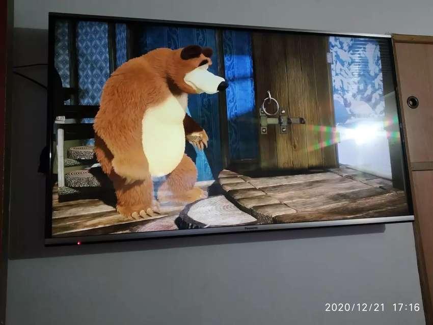 "Televisor  Smart TV Panasonic 50"" 0"