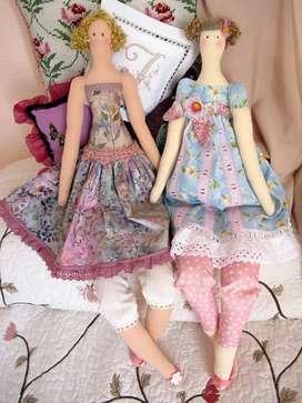 Hacemos Muñecas estilizada cabello de lana