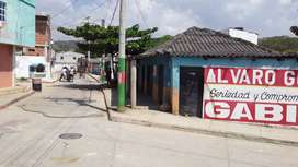 se vende o arrienda excelente local comercial con vivienda interna.