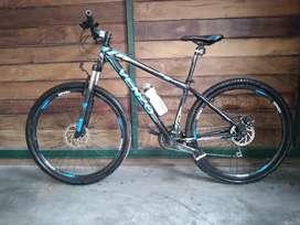 Bicicleta venzo rodado 29 azul. Usada