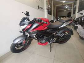 MOTOCICLETA PULSAR 200 NS FI ABS