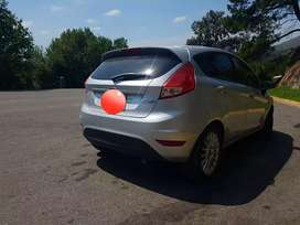 Ford fiesta kinetic  excelente estado 2014