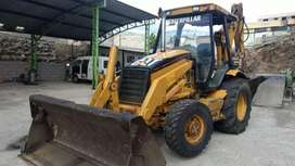 Se vende retroexcavadora gallineta CAT 420D