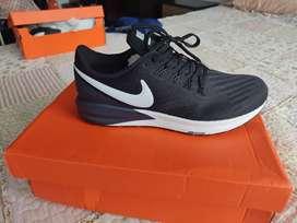 Zapatillas Nike nuevas originales y en Caja talla 9 Usa