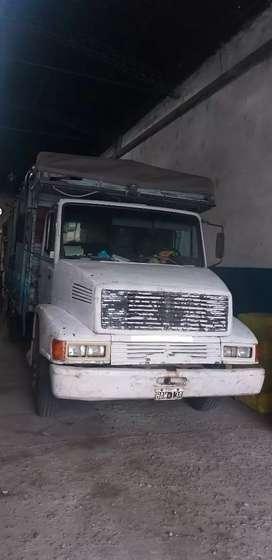 Vendo camión MB 1215