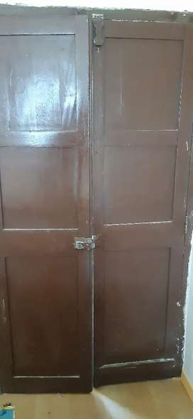 REMATO puerta de madera de dos alas