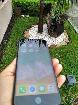 Adquiere iPhone 7 Plus Negro 128Gb con cargador $1.390.000 libre de iCloud y bandas abiertas