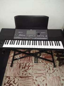 Piano Korg pa 600 como nuevo