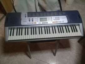 Vendo organo casio,  o permuto por play , notebook 0 pc 12.000$